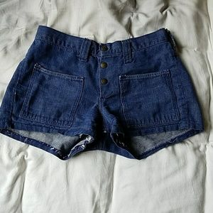 3 Button shorts